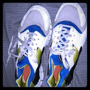 Huarache by nike tennis shoes